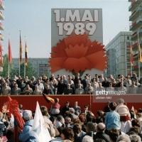El último 1º de Mayo multitudinario en Alemania del Este. ¿Por qué se hundió la RDA seis meses después? (1)